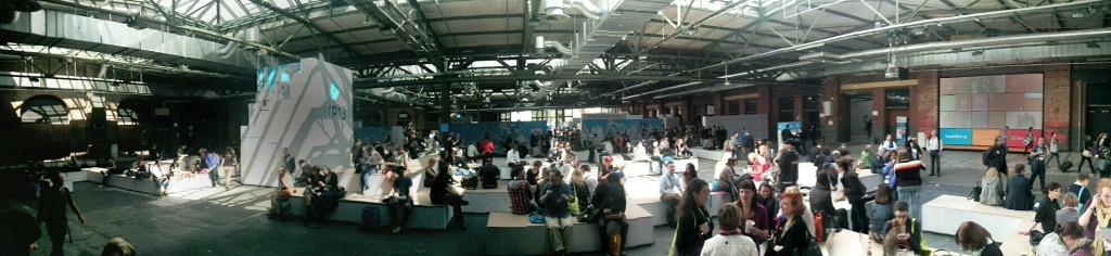 """Große Halle der """"Netzgemeinde"""" @ re:publica 2013  vor dem Ansturm"""