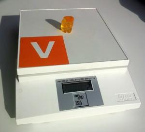 Gummibaerchen auf der vibrio Waage