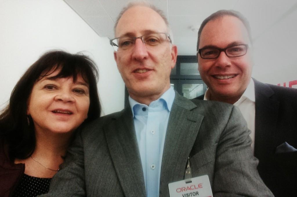 Selfie nach dem ersten PR-Meeting mit Oracle in Baden-Dättwil (CH): Sylvana Zimmermann und Urs Jenni (r.) von Jenni Kommunikation in Zürich