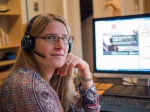 Anne Broy ist erst vor wenigen Wochen nach Nürnberg umgezogen. Sie arbeitet dort genauso wie im Büro. Für vibrio hat das den großen Vorteil, dass wir nicht auf das Know-how der Senior PR-Beraterin verzichten müssen.