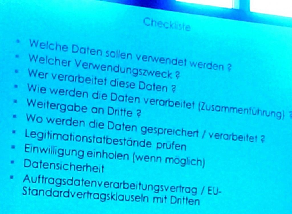 Ersetzt kein Jura-Studium und keinen Antwalt. trotzdem eine gute Checkliste für das Monitoring von Dr. Carsten Ulbricht.