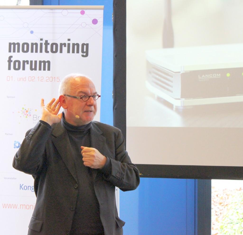 Michael Kausch von vibrio präsentierte gemeinsam mit Kristian Delfs von LANCOM Systems, wie Monitoring als Grundlage für das Storytelling in Blogs genutzt werden kann.
