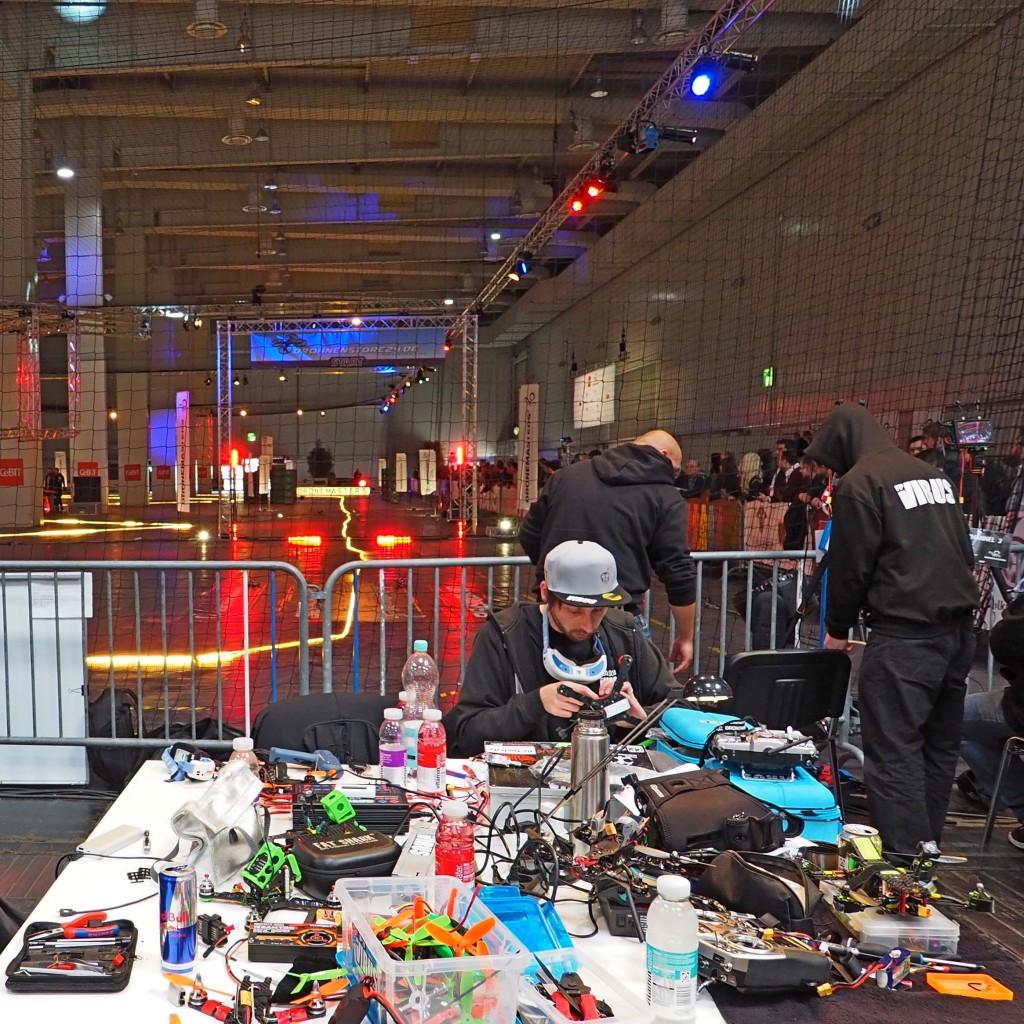 Eine CeBIT-Halle fürs Drohnen-Wettfliegen: B2B?