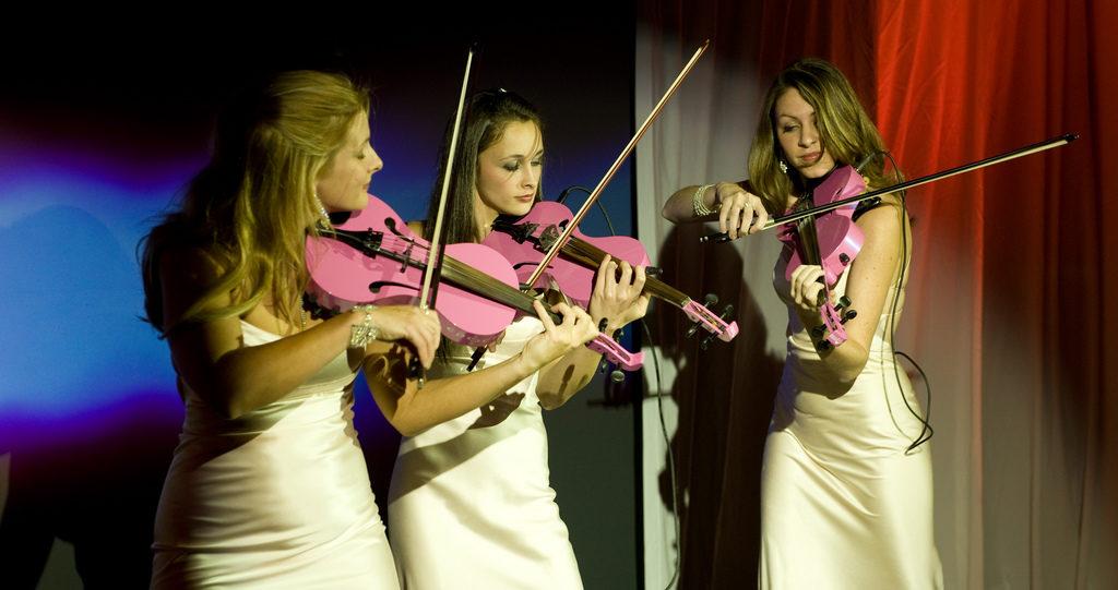 Hängt der Himmel voller (rosa) Geigen für die Cebit?
